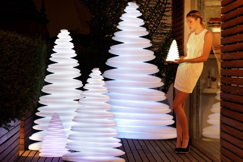 Chrismy Christmas Tree by Teresa Sapey for Vondom