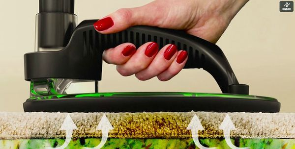 SpotVac cleaning device