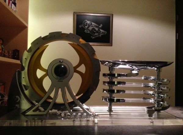 DIY watch winder for MB&F Horological Machine