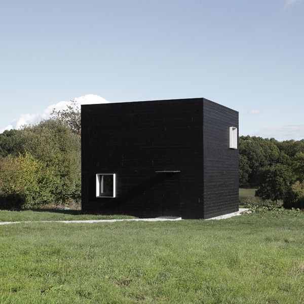 A minimalist monolithic house