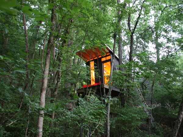 DIY family treehouse