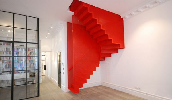 Diapo's Steel Suspended Staircase