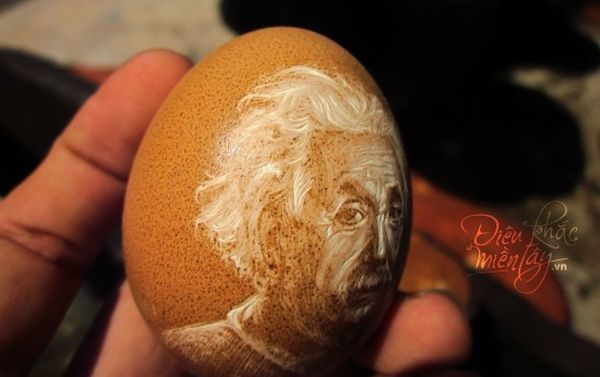Eggshell portraits by Ben Tre
