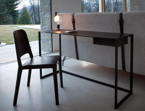 Calamo desk by Gabriele Rosa