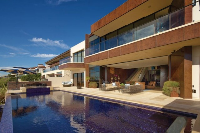 iPad controlled solar powered mansion
