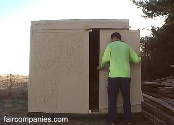 Cardboard house Link Knight-1