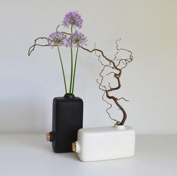 Reversed Vase by Paul Menand