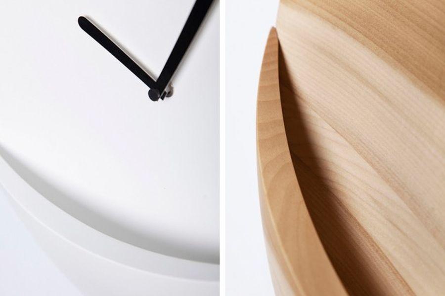 Kangaroo Clock by David Raffoul