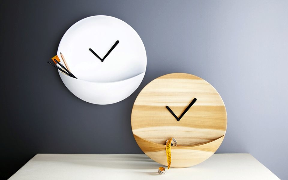 Kangaroo Clock by David Raffoul of David and Nicolas Design Studio