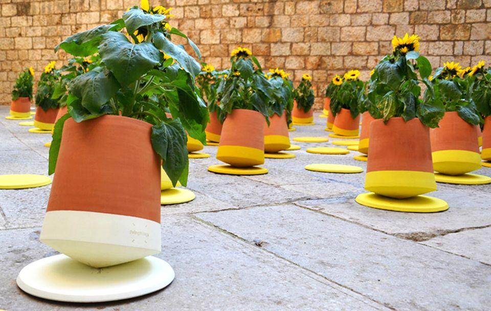 Rolling Flower Pot by Studio BAG Disseny