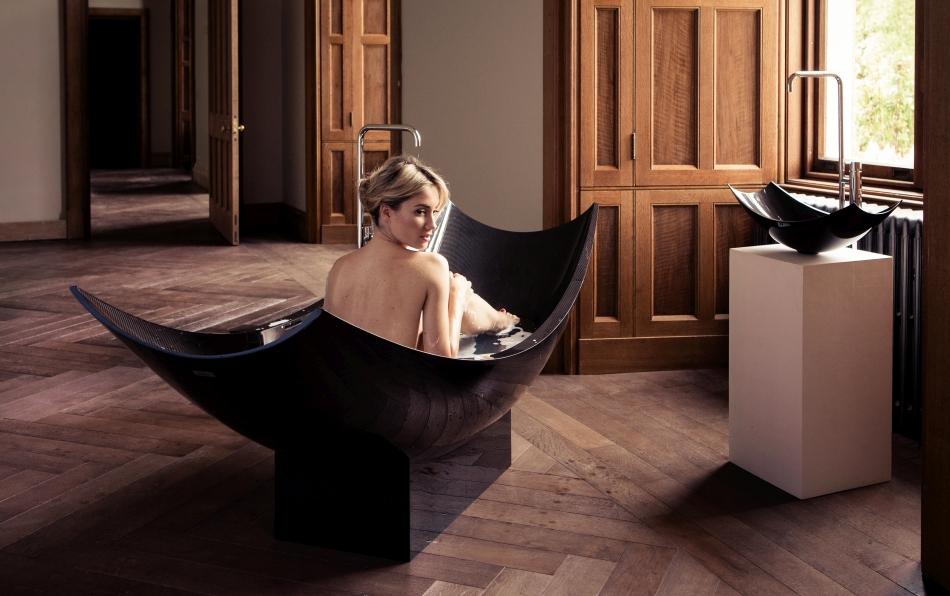 Splinter Works Vessel Freestanding Bathtub