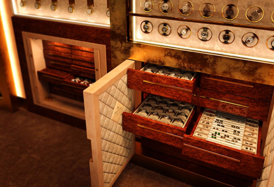 Evander Broekman's Collection of Luxury Safes