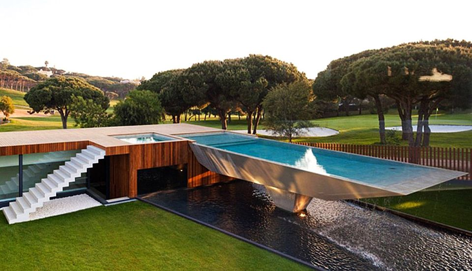 Mansion in Vale Do Lobo Golf Course by Arqui+