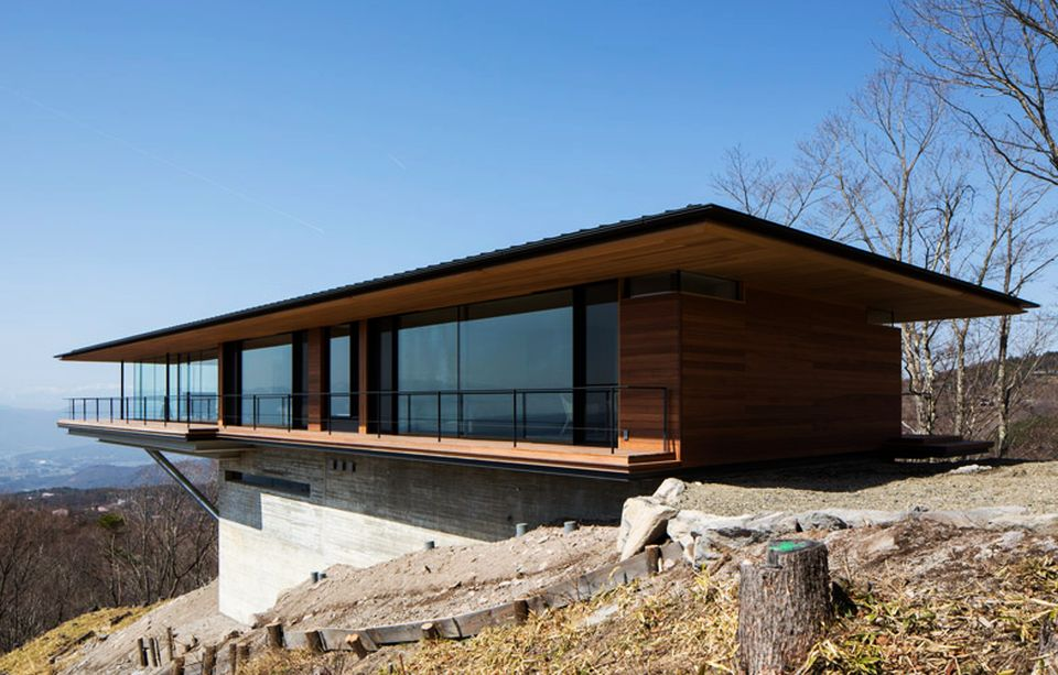 Mountainside Home in Japan by Kidosaki Architects Studio