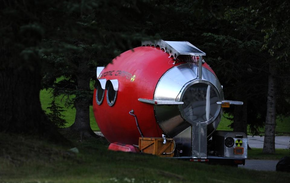 Bill Guernsey's Atomic Camper is Unique Solar-powered Home