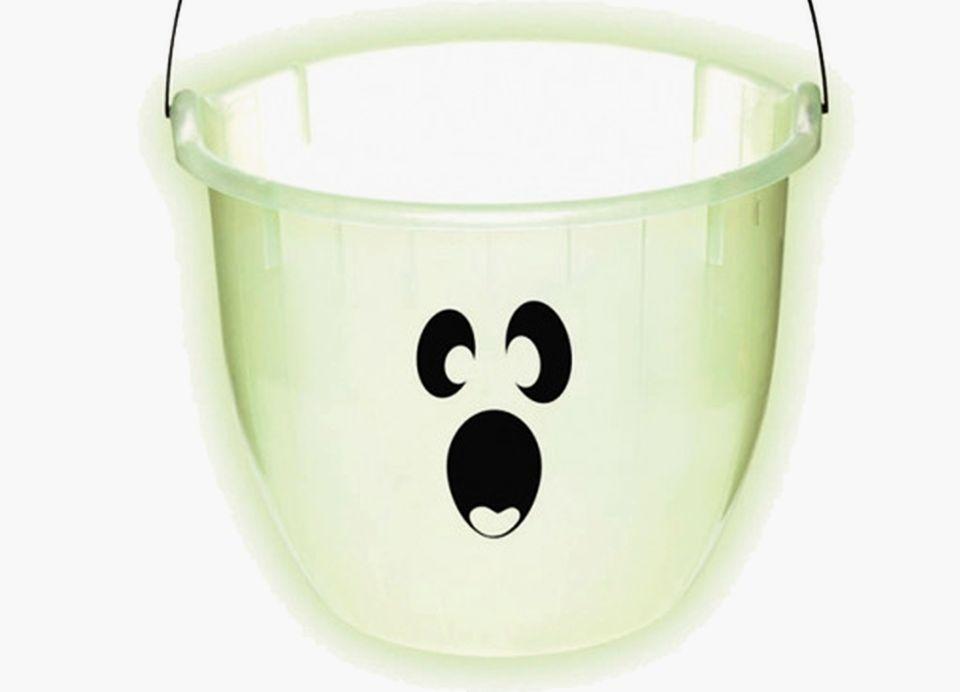 DIY Illuminating Halloween Candy Bucket