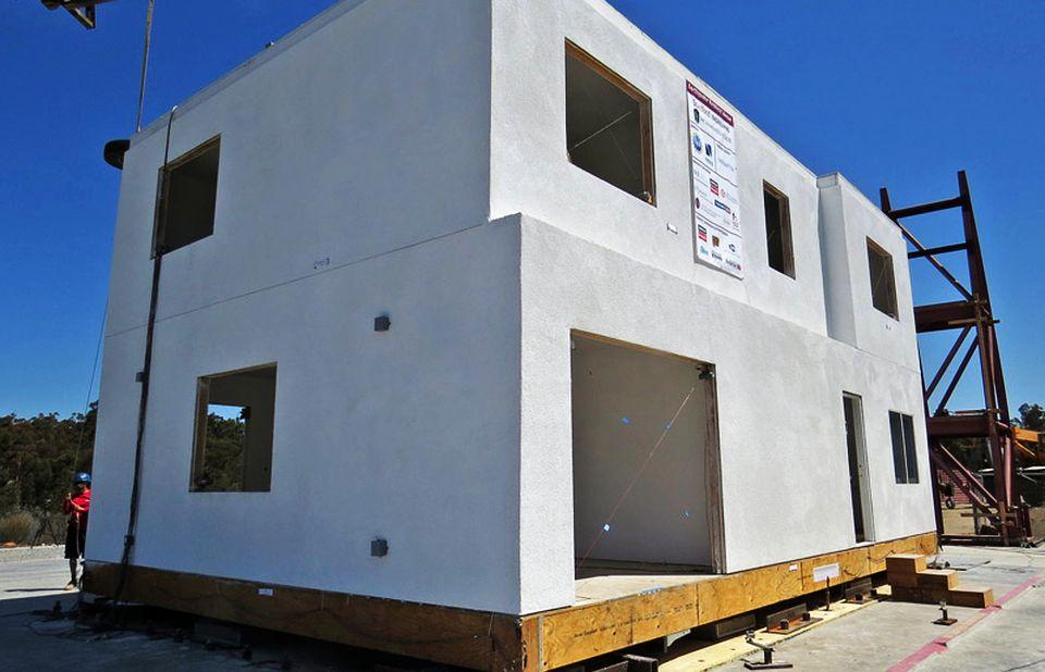 Earthquake-resistant House