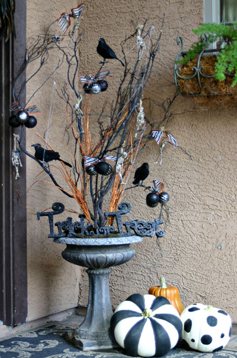 Halloween tree for front porch