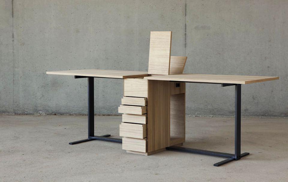 Le Suisse Desk by Giulio Parini