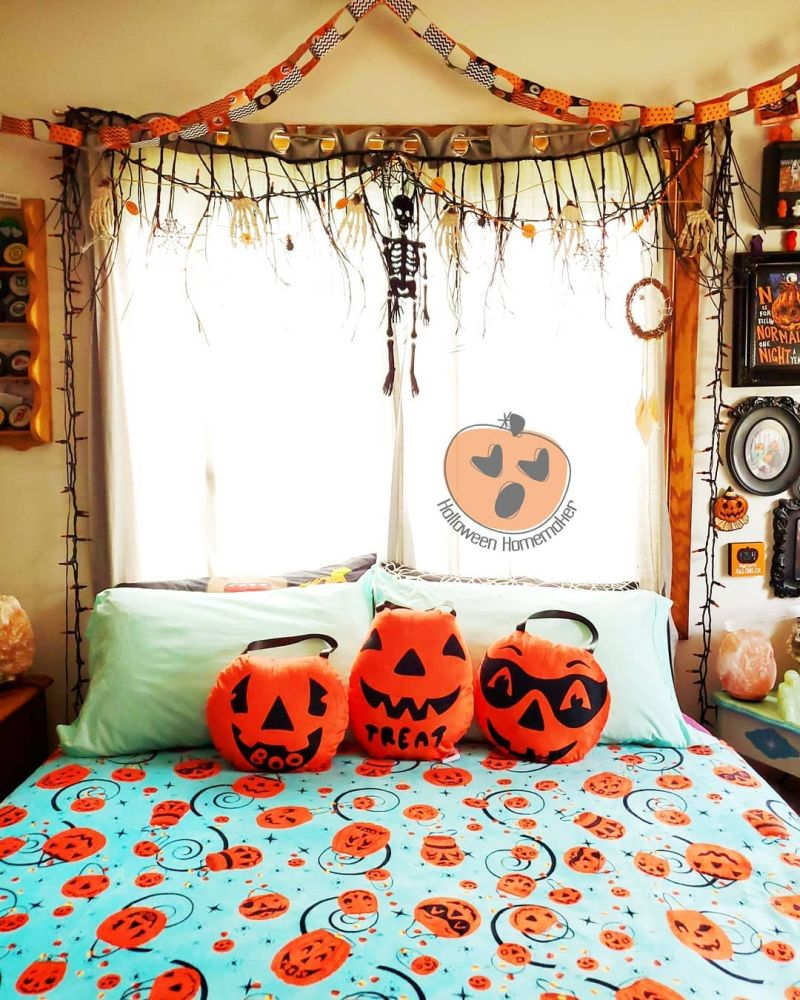 Use Halloween themed furniture, bed sheets, pillows and accessories