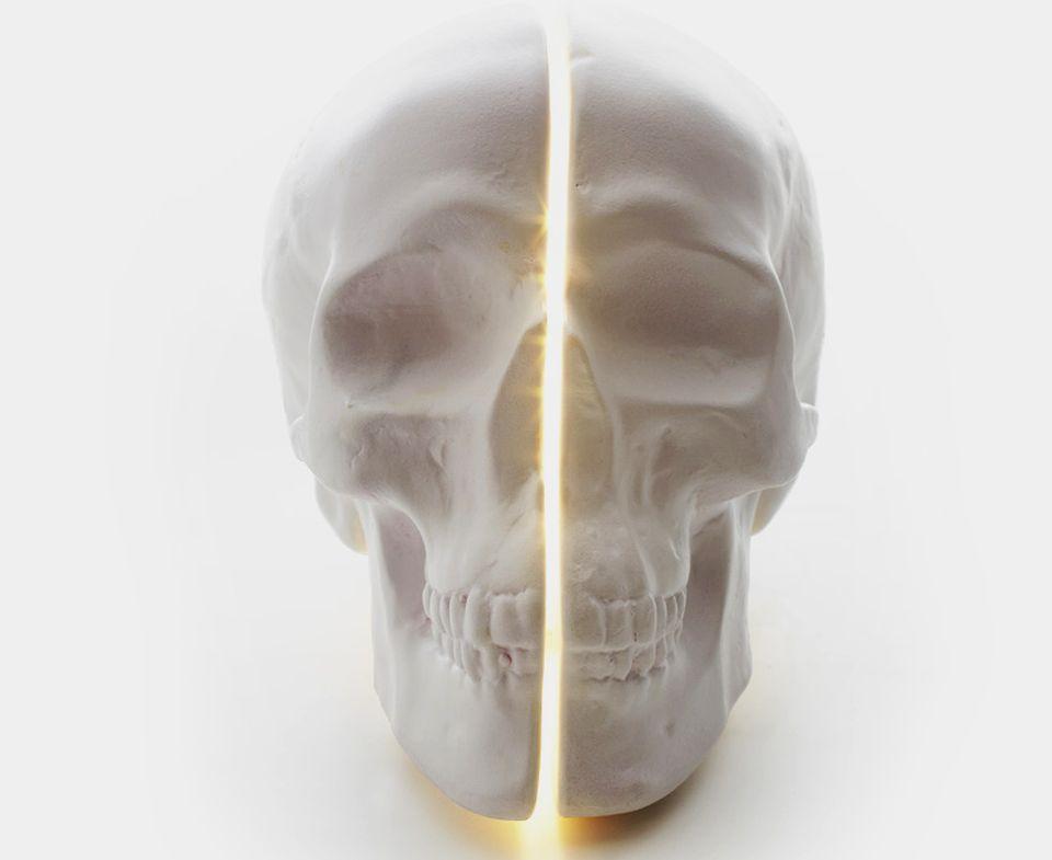 Yorick Skull Table Lamp