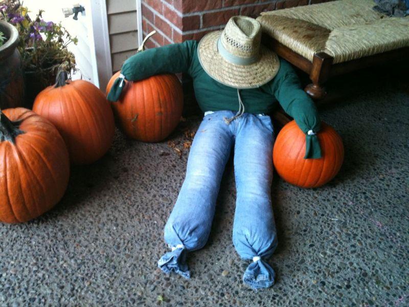 scarecrows for porch halloween_1