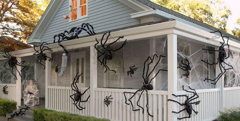 spider decor for halloween