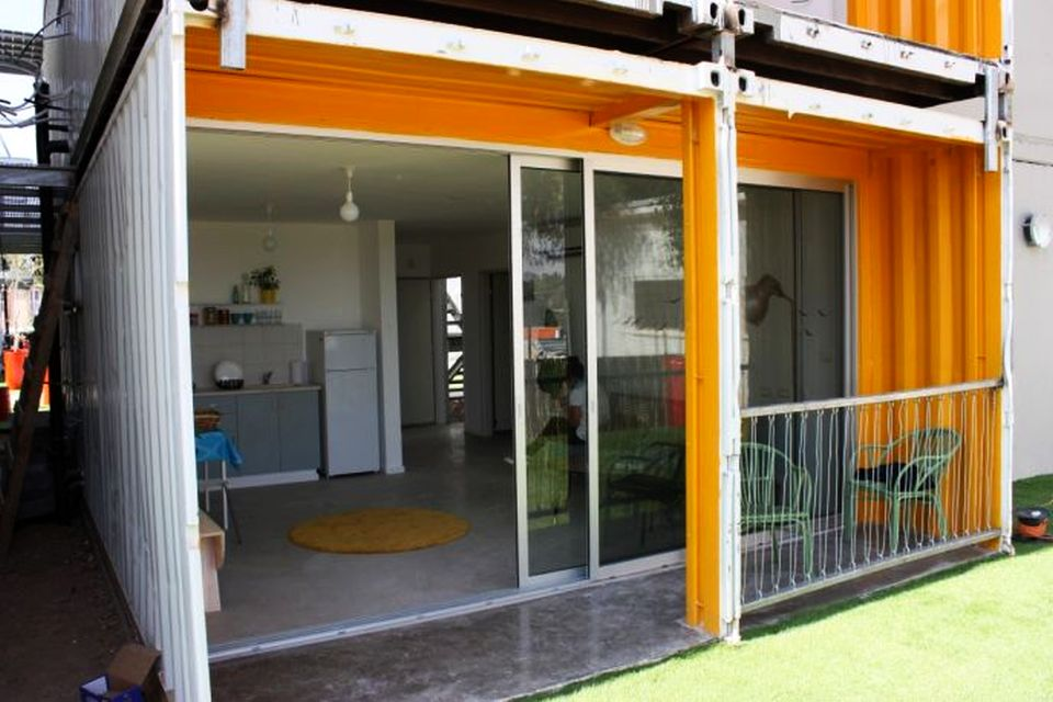 Israeli Students Build Apartments from Shipping Containers