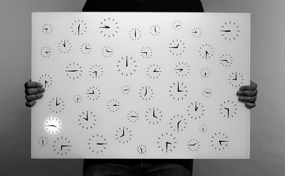 Temps Mort Clock by Cédric Dequidt