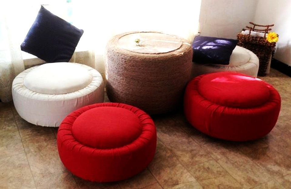 DIY Ottoman and Coffee Table from Old Tires