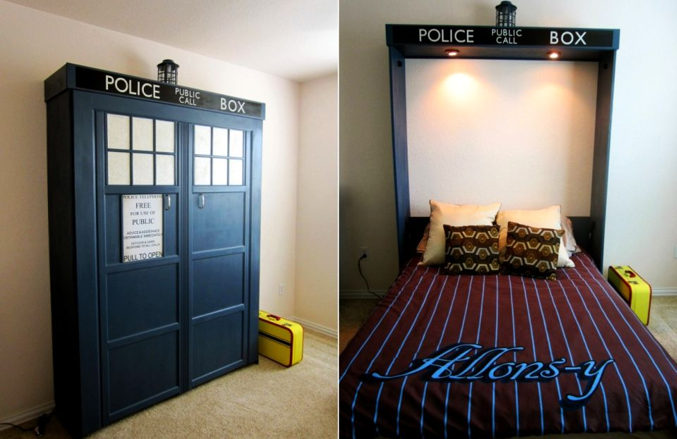DIY TARDIS Murphy Bed