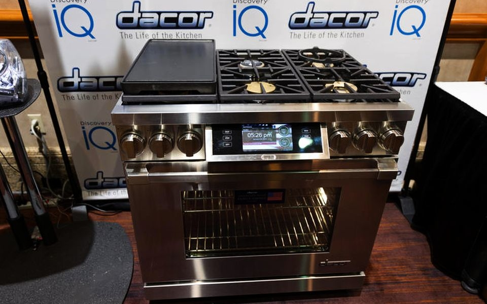Dacor Voice-controlled iQ Duel-Fuel Range