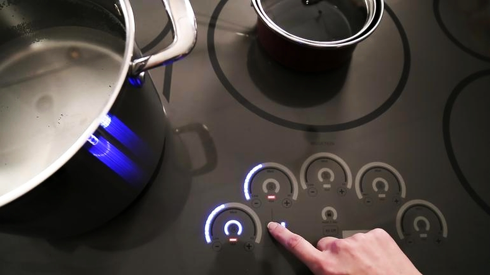 GE's Smart Sous Vide Probe and Touch-sensitive Induction Cooktops