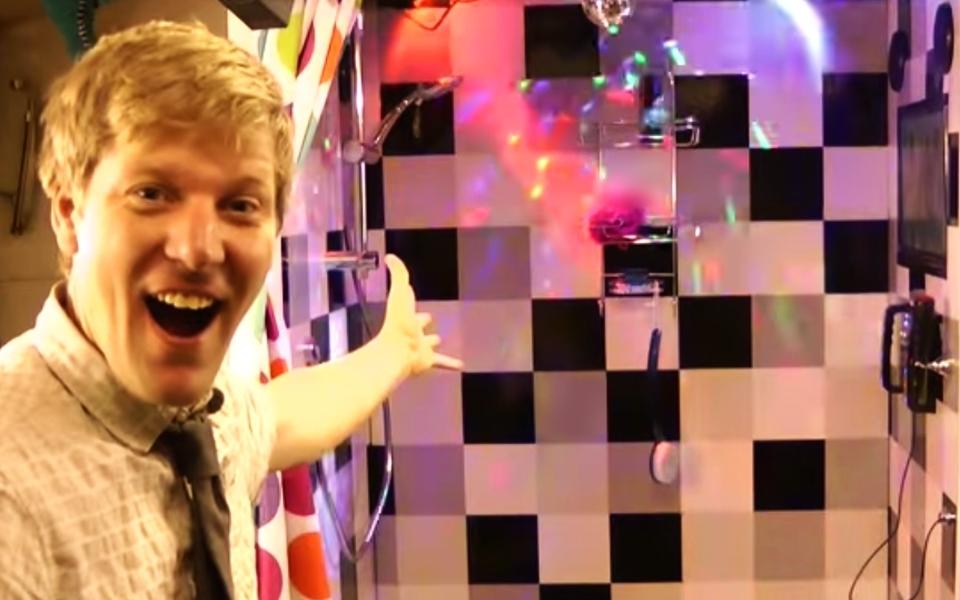 Karaoke Shower by YouTuber Furze
