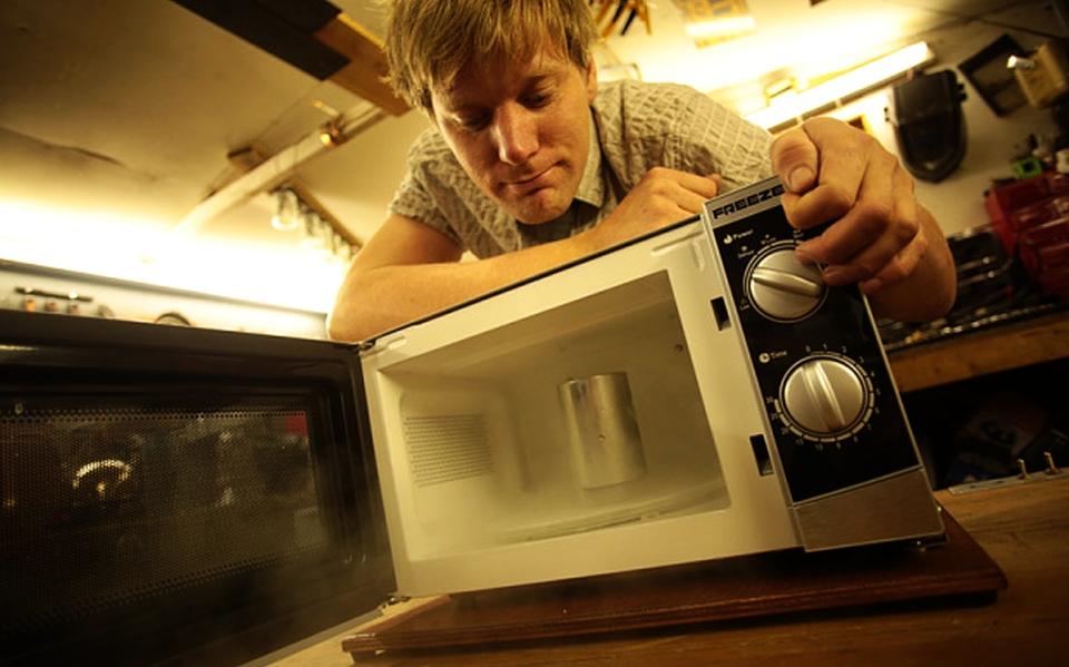 Freezer-Wave Microwave by Colin Furze