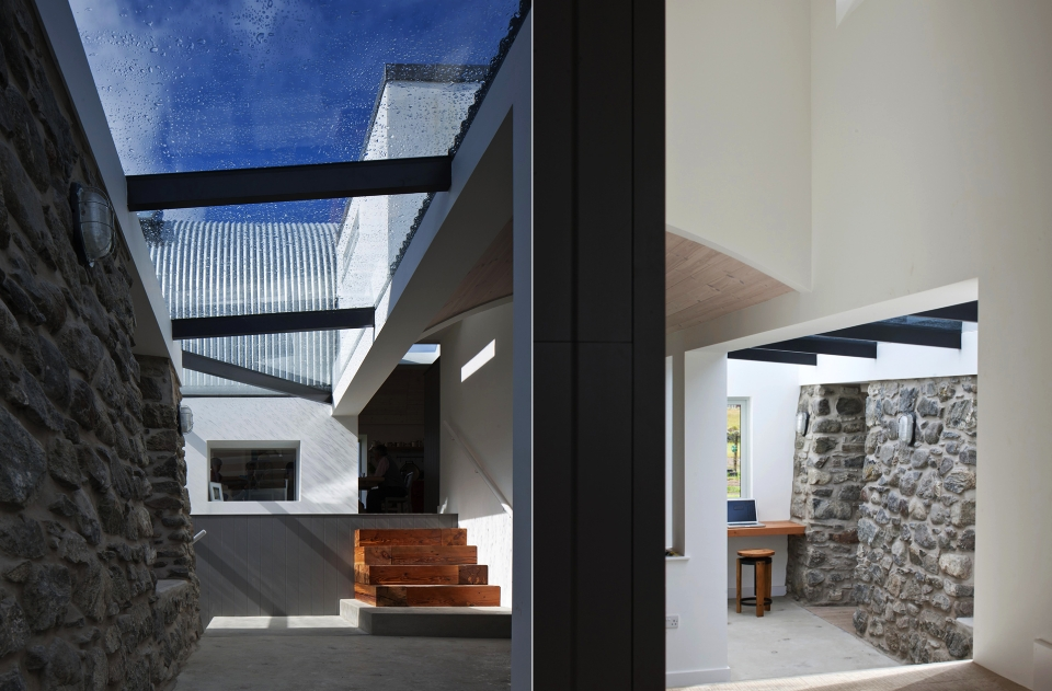 Stone and Steel Vacation Home by Murray Kerr