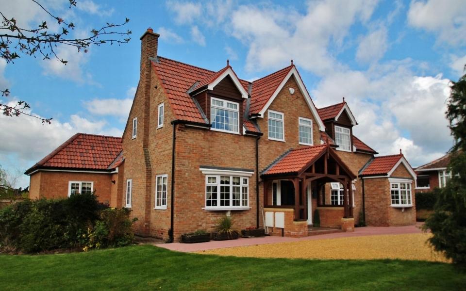 £695,000 Compton House