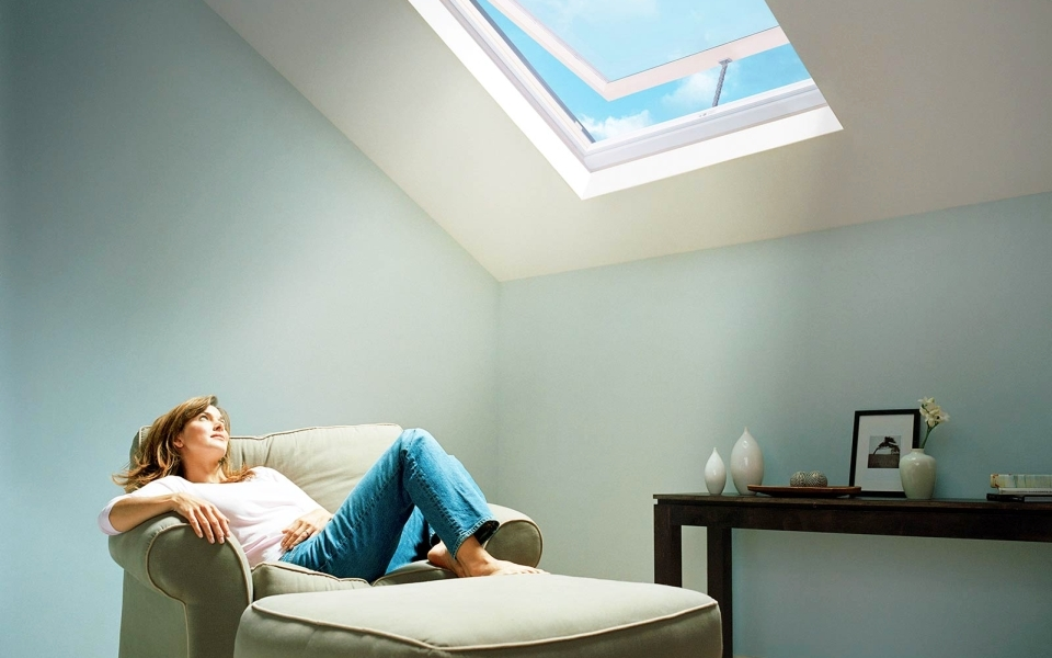 Bring-natural-light-into-your-home-with-skylights