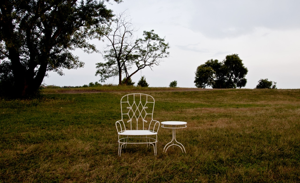 Outline Outdoor Furniture by Alessandra Baldereschi