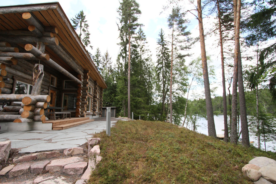 Cabin with a mix of both traditional and modern advancement