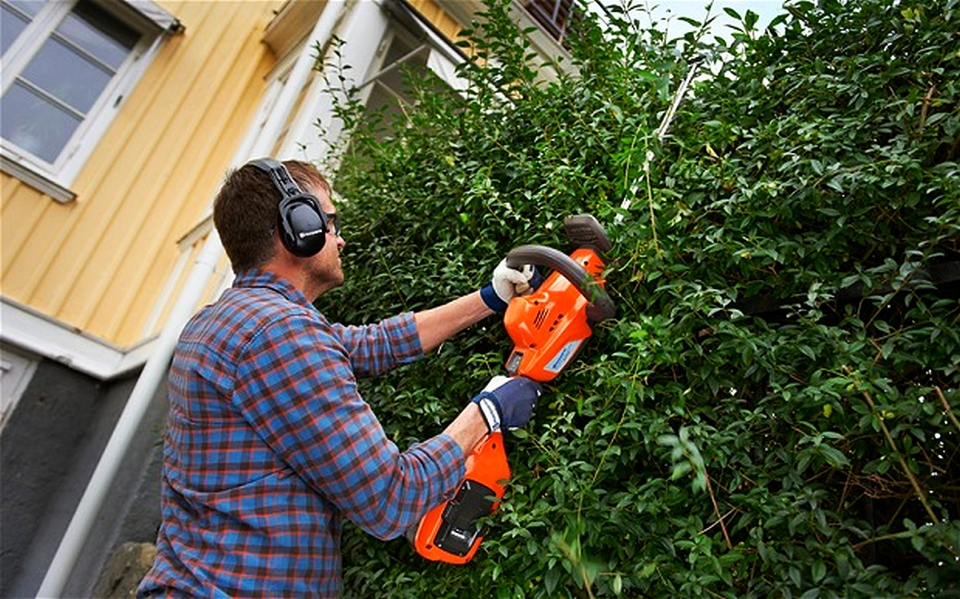 Battery-powered trimmers by Husqvarna