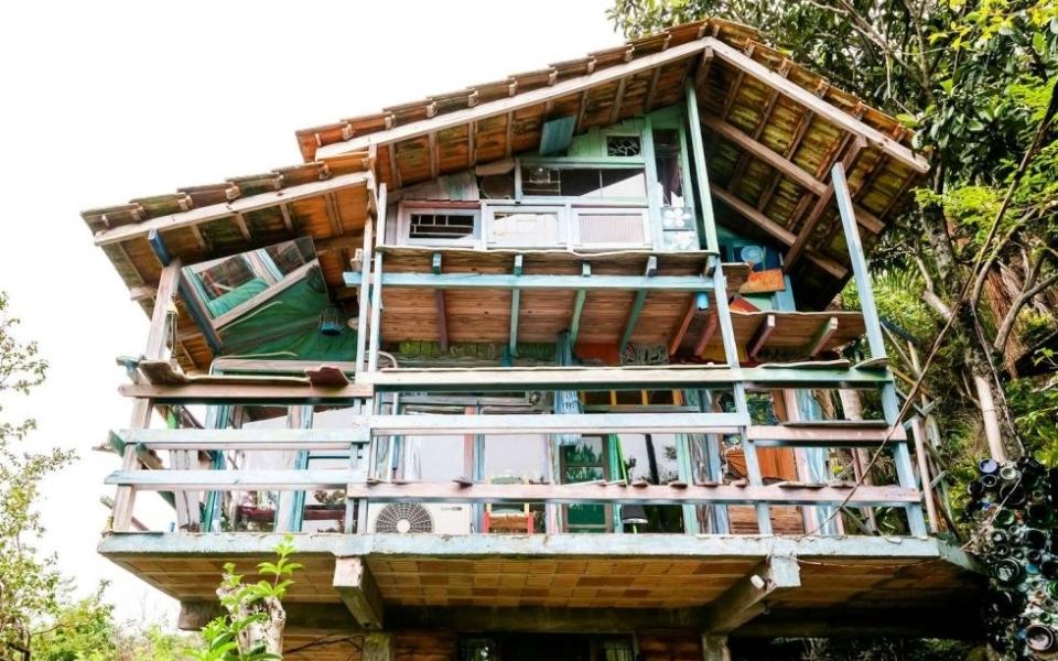 Colorful Treehouse Cabana Floripa in Brazil