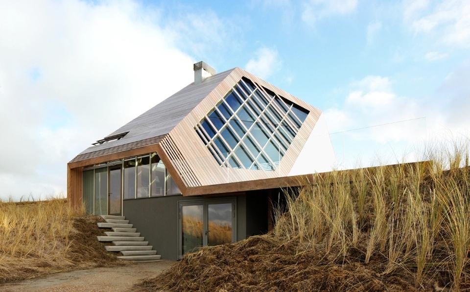 Dune House by MKA