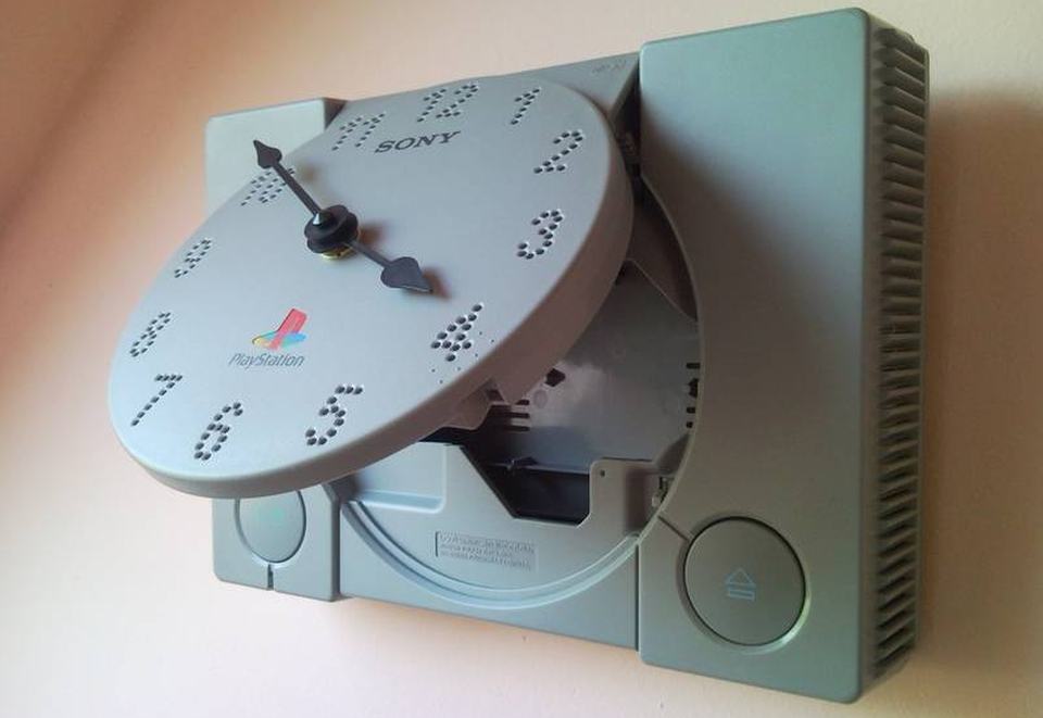 First generation Playstation turned into luminous clock