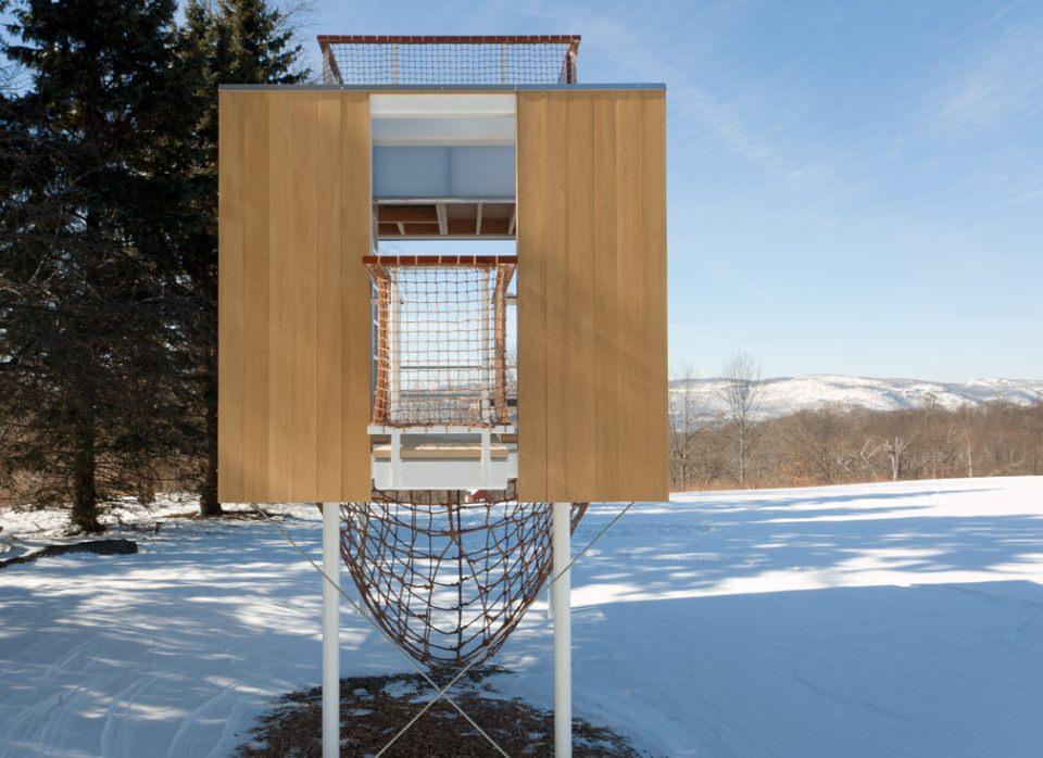 The Garrison Treehouse is beautiful blend of tectonic details and crafts