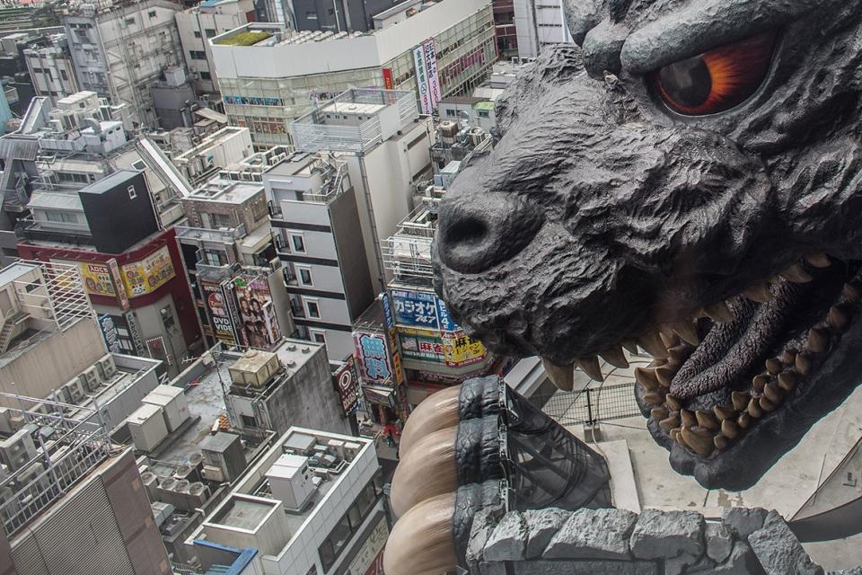 Godzilla keeps an eye on the roads of Tokyo