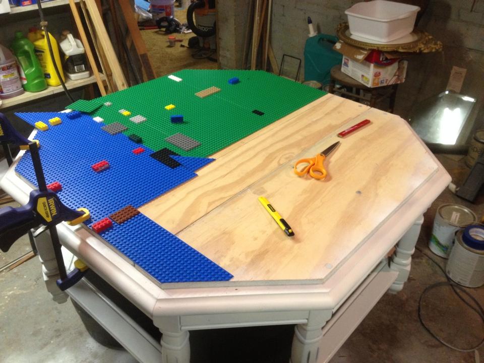 Octagonal DIY Lego table