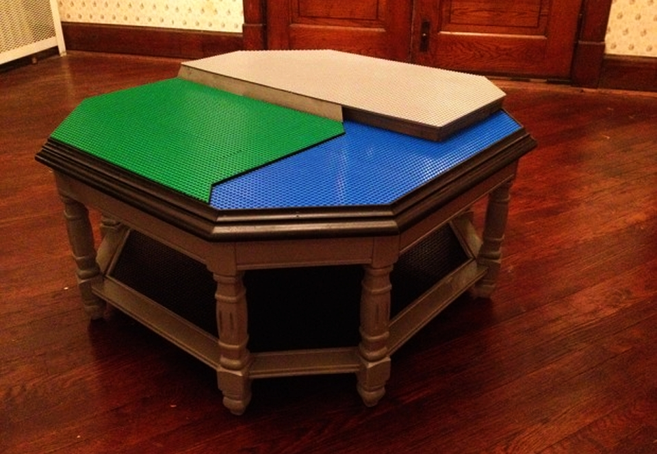 Octagonal DIY Lego table