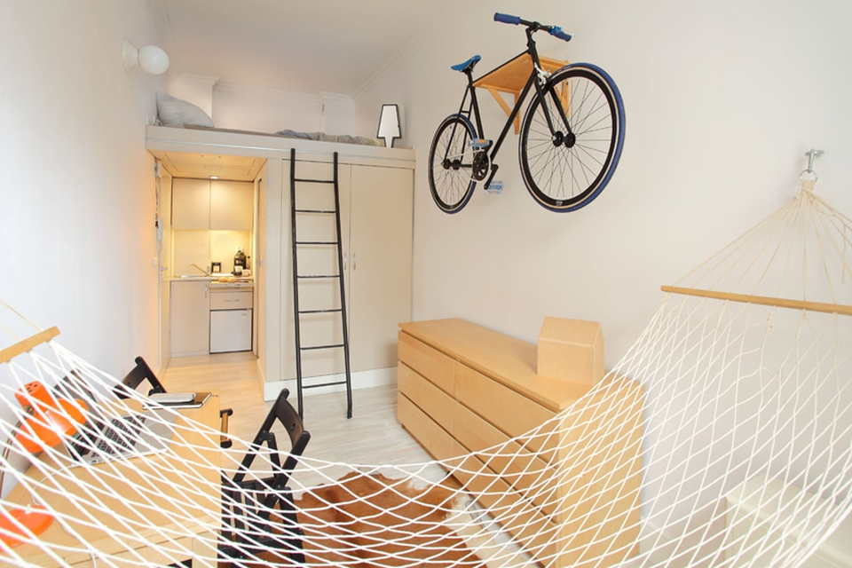 Tiny Apartmemt by Szymon Hanczar