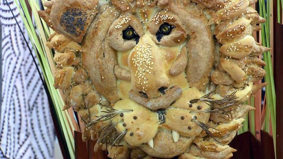 Cecil Lion Bread
